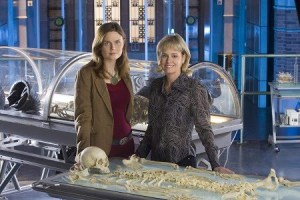 Kathy Reichs and Emily Deschanel picking over the bones