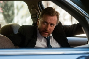 Tim Roth trying to find a way to take down the criminal