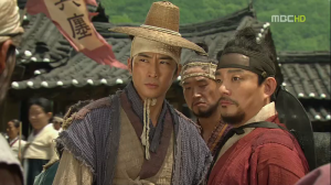 Dr Jin (Song Seung-Heon) and Lee Ha-Weung (Lee Beom-Soo)