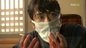 Dr. Jin-Hyuk (Song Seung-Heon) refusing to disappear