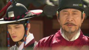 Kim Kyung-Tak (Kim Jae-Joong) and  and Kim Dae-Gyun (Kim Myeong-Su)