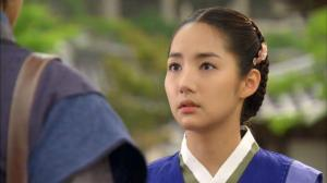 Hong Young-Rae  as the Joseon Hong Young-Rae