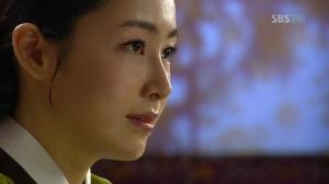 Queen Jungsoon (Keum Dan-Bi) coming out into the open