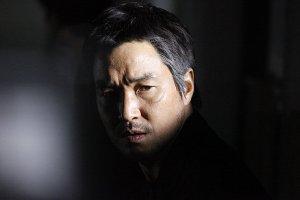Detective Han Dong-Su (Han Suk Kyu)