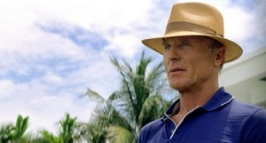 Ed Harris looking cool and competent