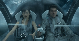 Olga Kurylenko and Tom Cruise in the mile high club